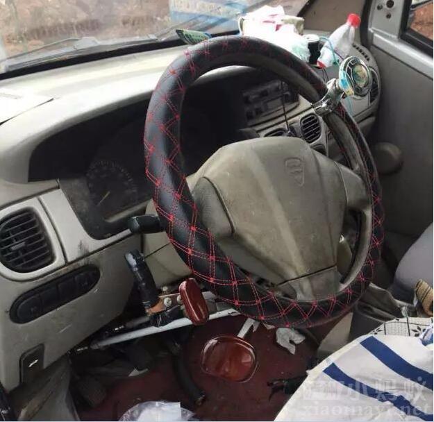 无证驾驶 非法改装面包车被查获